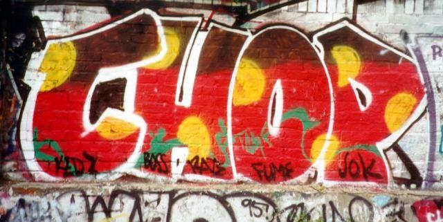 Graffiti on UK Walls - Latimer Road