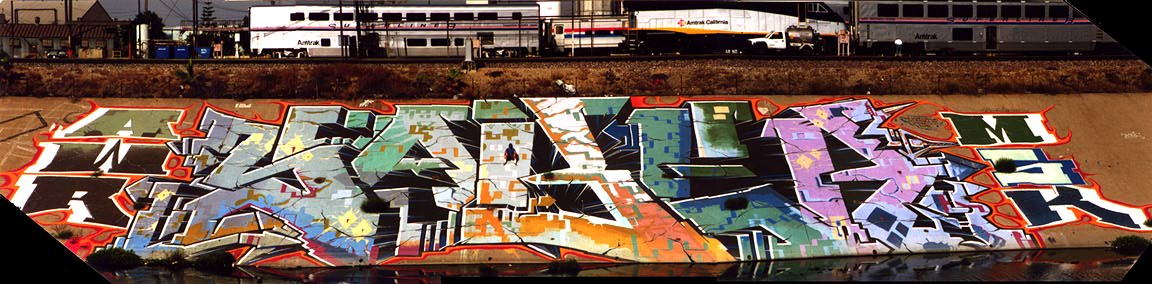 Art Crimes: Los Angeles 33 - Saber  This image and artwork © copyright 1998 Saber.