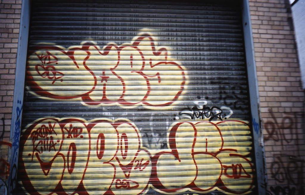 Queensnycgraffall20011vaescopejezx