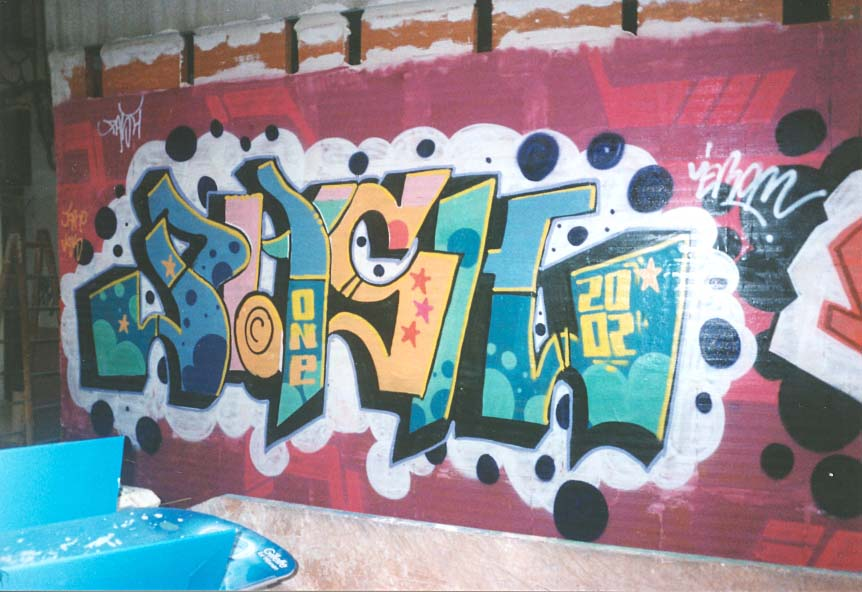 http://www.graffiti.org/spain/pash-jerome1.jpg