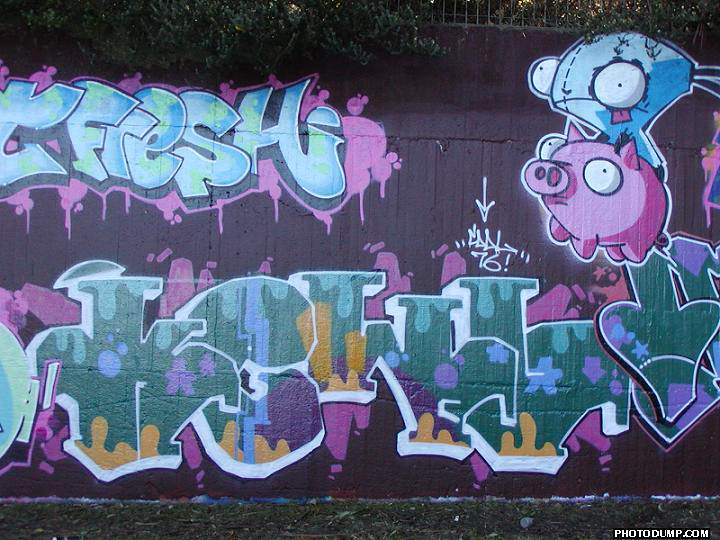 http://www.graffiti.org/syd/thakewl12004.jpg