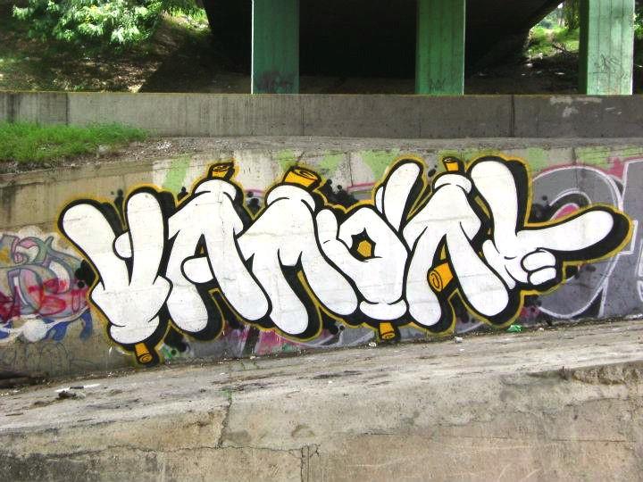 vandal4.jpg